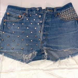 LEVI SHORTS WITH STUDS